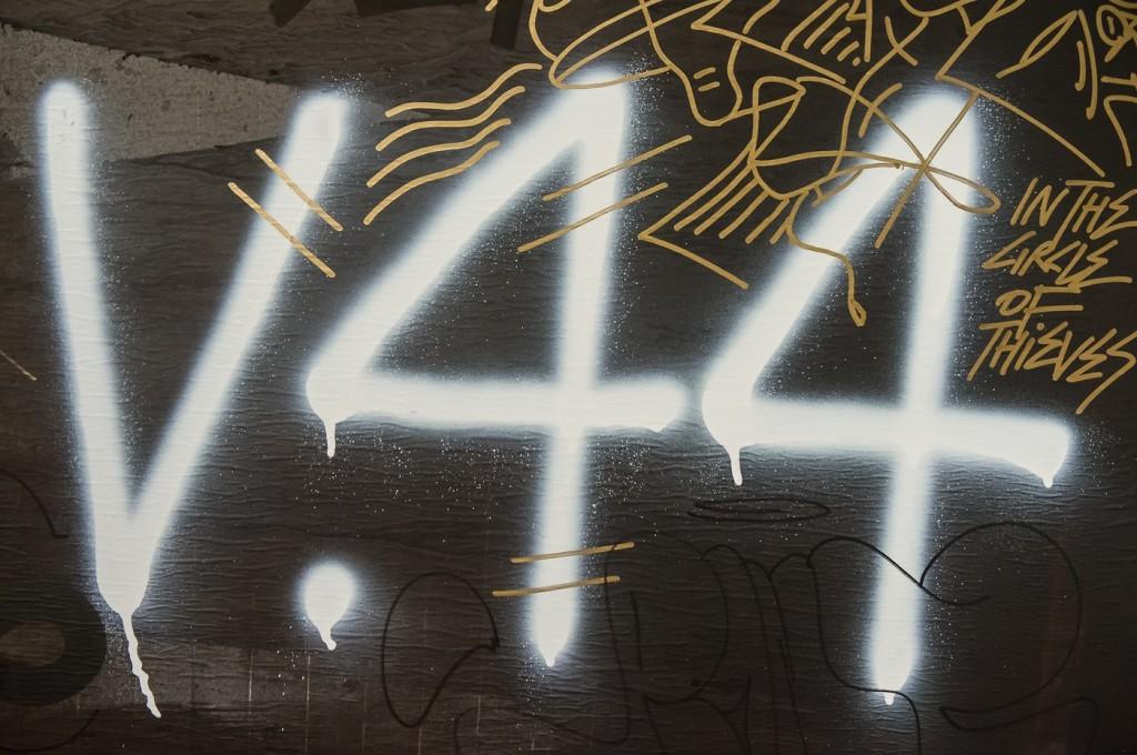 VENENO 44