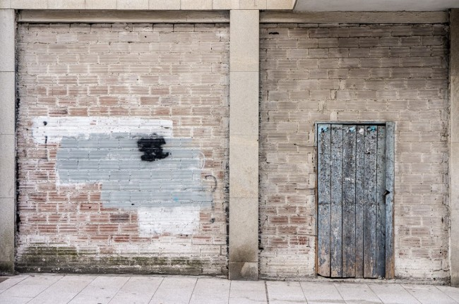 El silencio  de los muros (16)