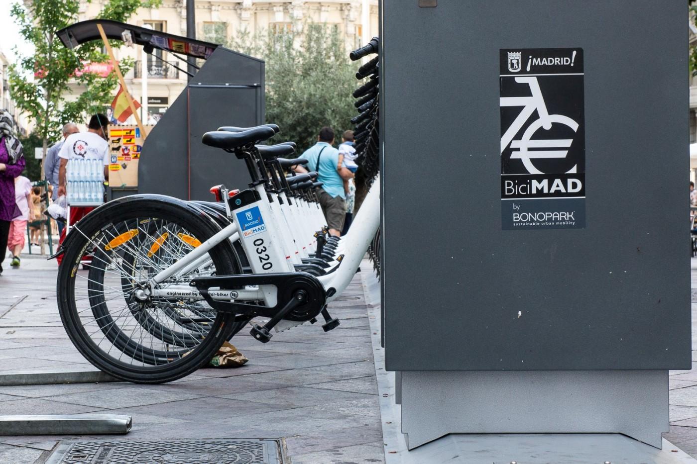 Intervención de 2J. Foto de www.arte-en-la-calle.com